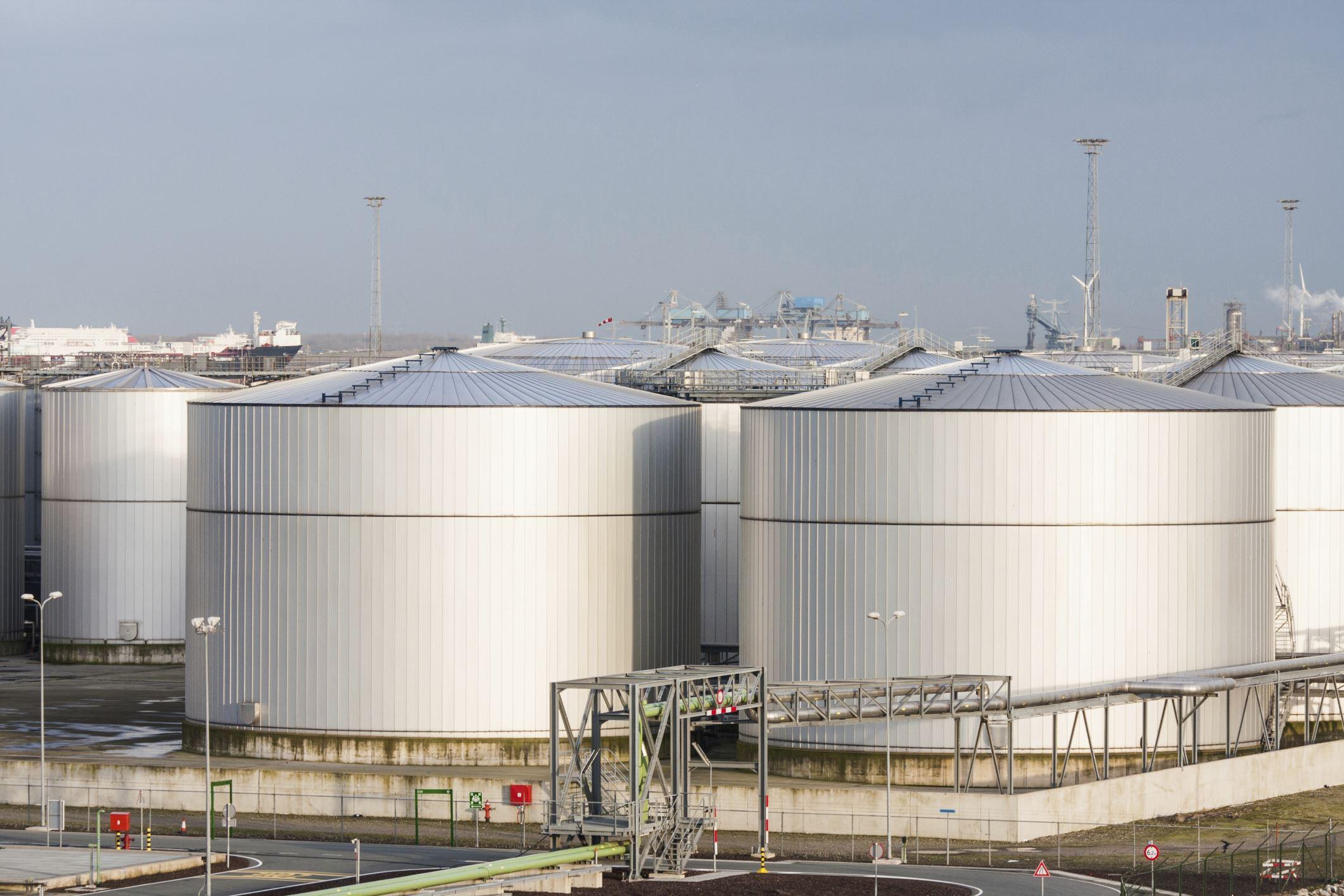 Услуга Зачистка резервуаров от нефтепродуктов